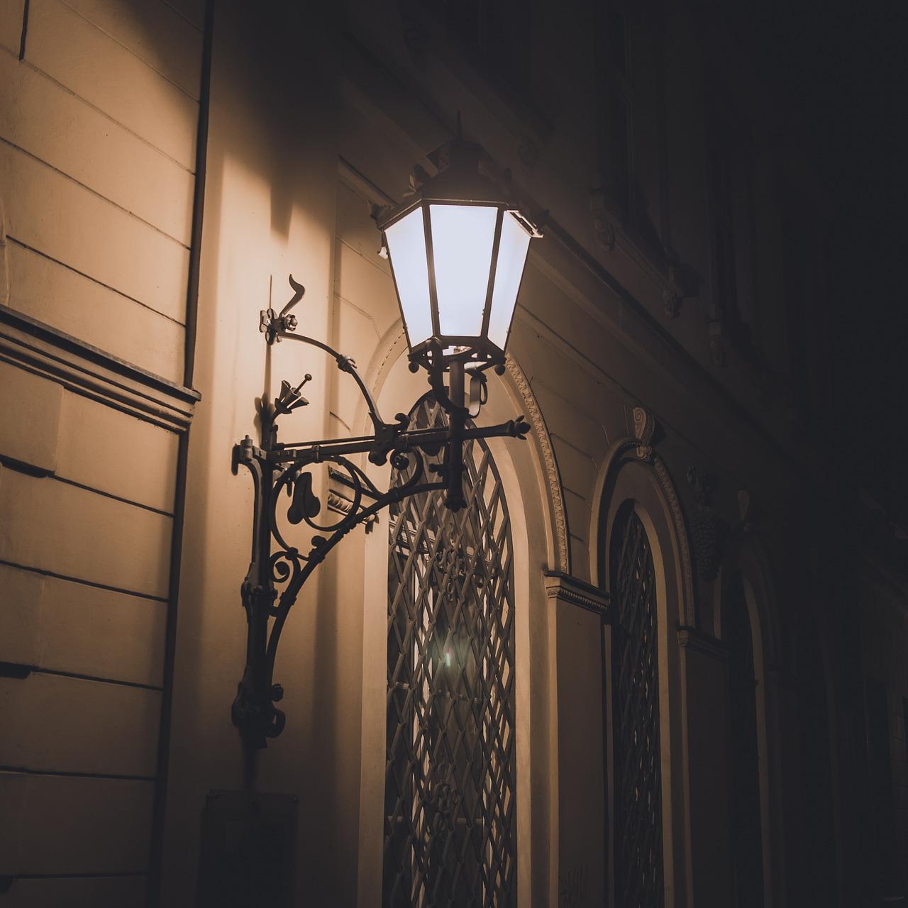 Antieke Buitenverlichting